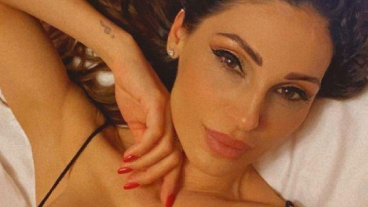 Anna Tatangelo illegale, il ballo sensuale fa impazzire i fan: 'J-Lo scansati'