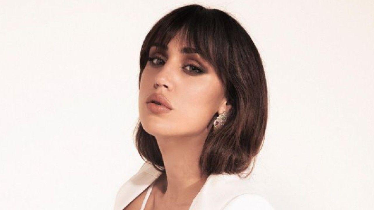 """Cecilia Rodriguez bomba sexy in bianco: """"Altro che la Salemi"""""""