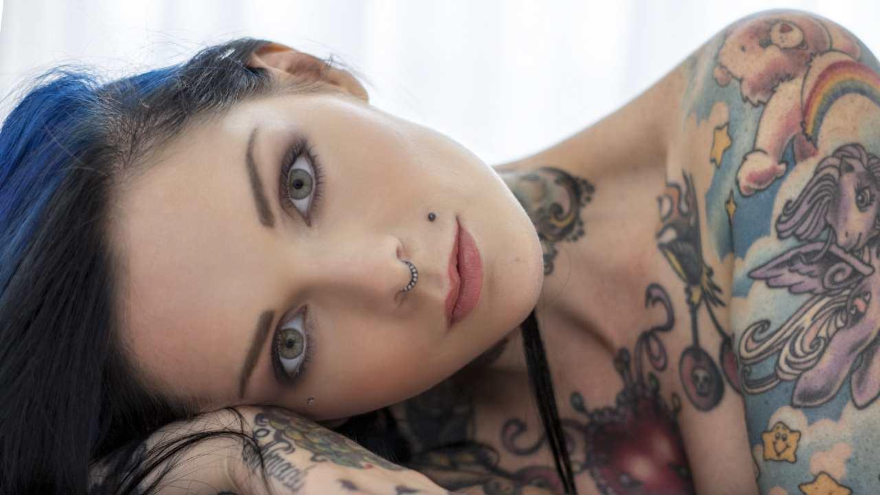 Riae Suicide Girl
