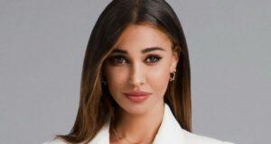 Belen Rodriguez, la scollatura esplode: la foto bollente fa il pieno di like