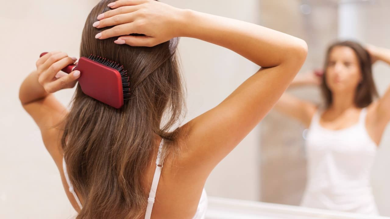 pettinarsi-capelli-lettoquotidiano