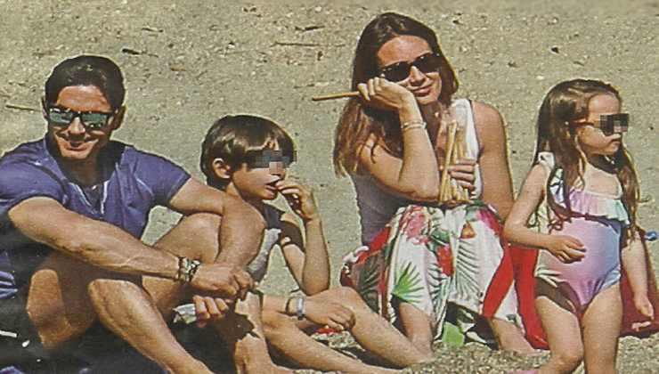 pier-silvio-berlusconi-silvia-toffanin-al-mare-con-famiglia-lettoquotidiano